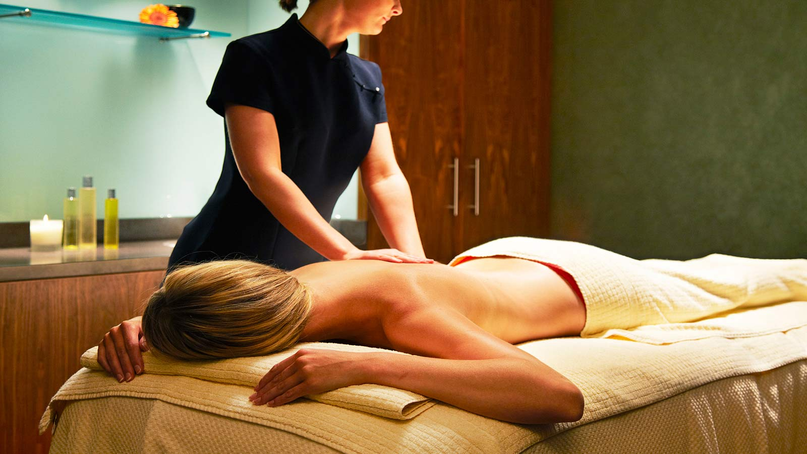 Spa break in Edinburgh with essential body massage